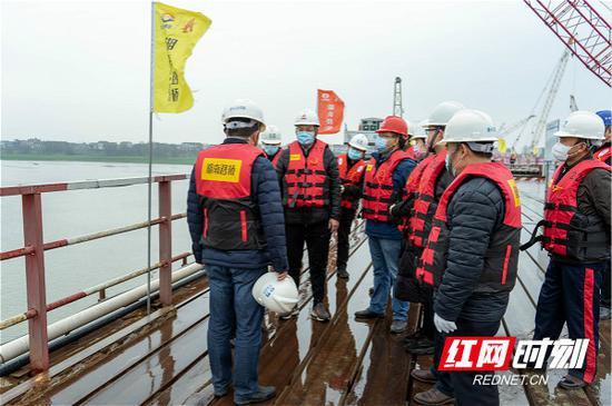 2月10日,湖南路桥集团承建的平益高速13标正式复工。