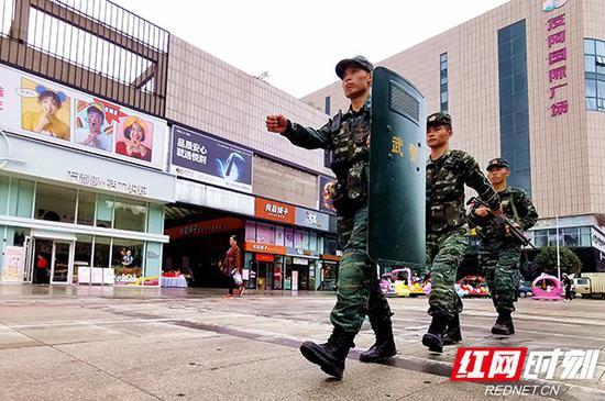 武警常德支队在国庆假期部署兵力坚守一线保安全