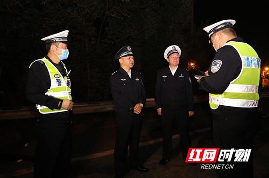 全国夜查统一行动首日 湖南查处交通违法1541起
