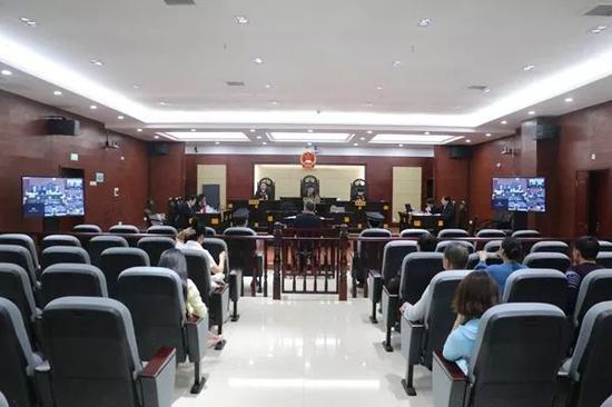 庭审现场 本文图均为 湖南高院微信公众号 图