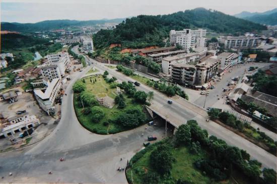 郴州第一座城市立交桥-同心路立交桥 徐大卫摄