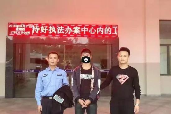 曾某因涉嫌抢劫被湘乡市公安局依法刑事拘留