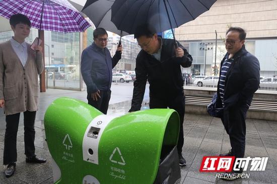 10月14日,天心区委书记朱东铁调研五一商圈提质建设。