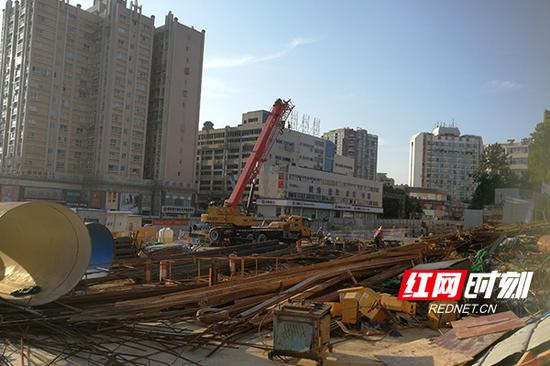 正在建设中的六沟垅站