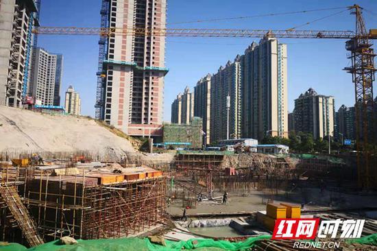 正在建设中的长沙万象府台二期。