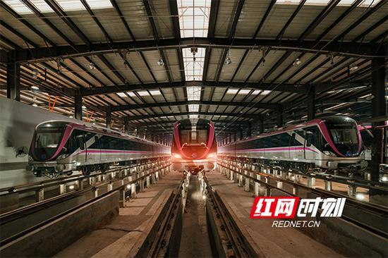 2018年12月29日,长沙地铁4号线一期工程开始通车试运行。