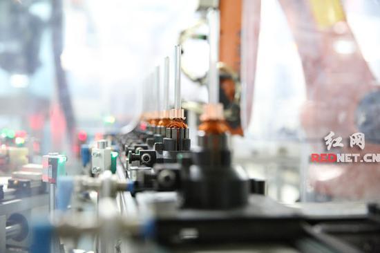 在博世长沙公司,湖南省首条工业4.0生产线就是诞生在这里。刘晓东 摄