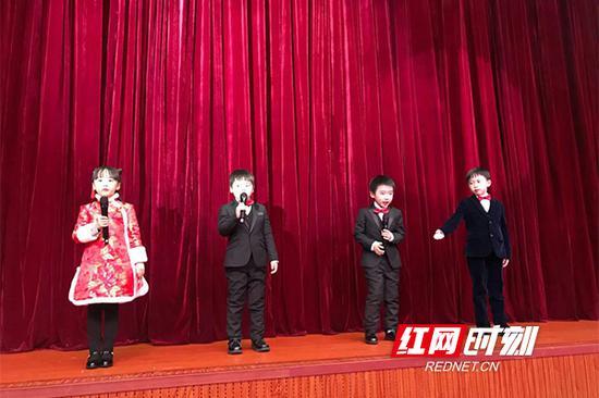 怀揣对先贤的敬仰之情,在浓郁的中华传统文化氛围之中,迎接新年的到来。