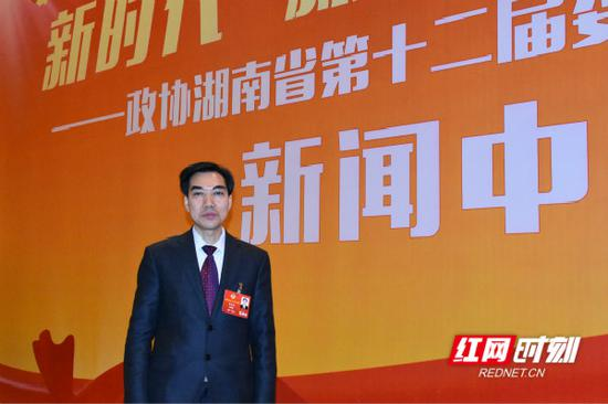 湖南省政协委员李述初。