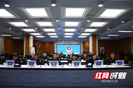 会议总结春节交通安保工作,部署节后春运交通管理工作。