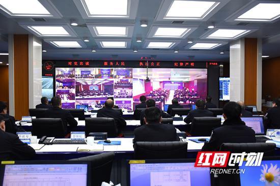 2月11日,湖南省公安厅交警总队召开全省视频会议。