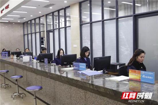 郴州高新区政务服务中心。