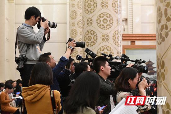 中外媒体聚焦湖南团开放日。