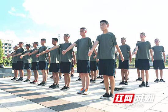 预定新兵役前教育训练在衡阳各地全面展开。