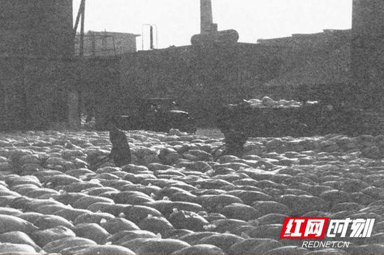 70年代洞庭氮肥厂