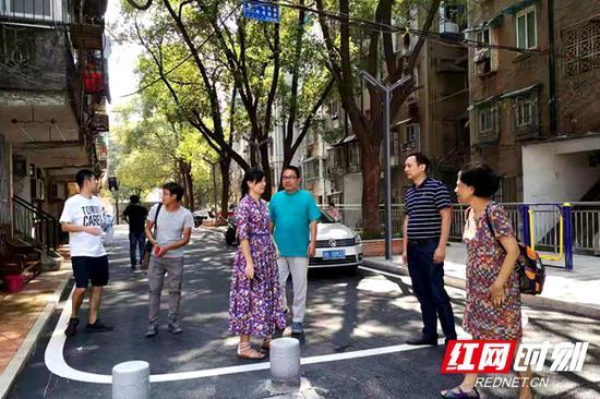 改造中的金盆岭街道原长沙市第22中学宿舍小区。