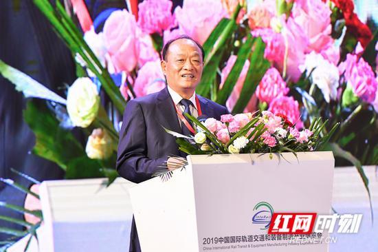 中国交通运输协会轨道交通安全技术专业委员会名誉会长 陈兰华
