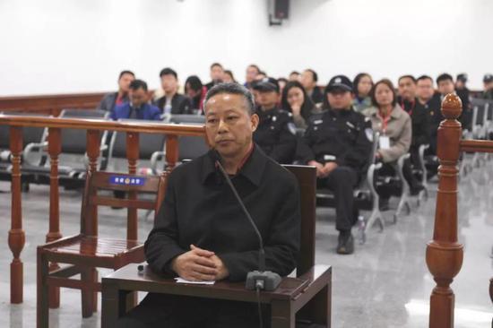 湖南一官员受审:在港开户存690余万港元 未申报