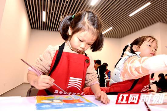 童心画祖国,孩子们会为祖国画张什么样的名片?