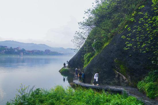 2020年怀化市徒步旅行主题活动启动,广大市民走出家门、走向自然。