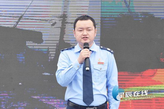 (作为一名90后基层税务工作者,彭彪为长沙高质量发展贡献青春力量。)