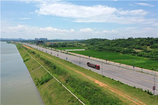 潇湘大道西线全线通车,从长沙直达湘潭仅需十几分钟