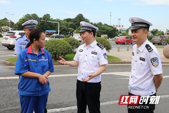 湖南省公安厅交警总队领导班子分别带队到各地督导整治行动。
