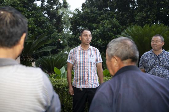 常德安乡:父子两代人接力抗洪保大堤