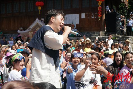 杜海涛演唱