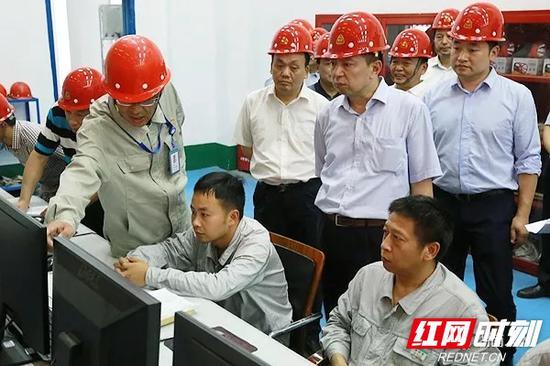 """2018年6月19日,湖南省人大常委会在长沙开展大气污染防治""""一法一条例""""执法检查。"""