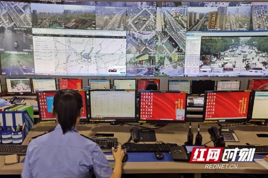 长沙市公安局交警支队指挥中心。