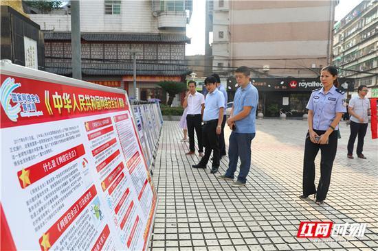 9月15日,衡阳县网络安全宣传周在明翰广场启动。