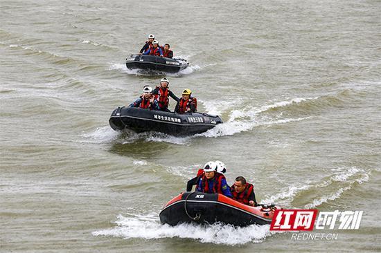 湖南省2020年水上搜救演习现场。
