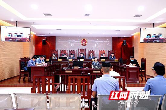 9月17日,由耒阳市人民检察院提起刑事附带民事公益诉讼的罗某涉嫌非法狩猎案开庭审理。