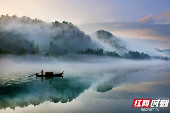 位于郴州资兴市的东江湖景区。