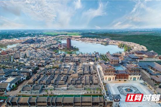 位于长沙市望城区的新华联铜官窑古镇。