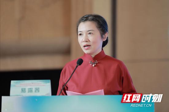 全国政协委员、农工党湖南省委会副主委、湖南省卫健委副主任易露茜。