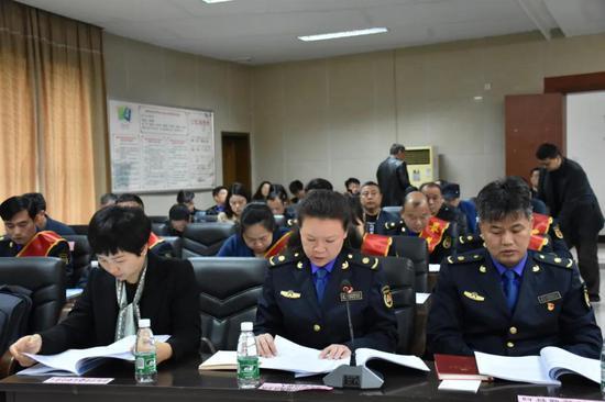 汝城县城管局、市市政公用中心、市城管综合执法支队分别介绍典型经验,作表态发言