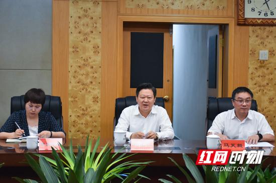 6月2日下午,郴州市委书记刘志仁会见了来郴考察的华润电力副总裁后永杰一行。