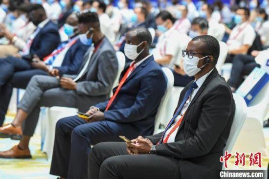 40多个非洲国家、近900家中非企业参展参会。 杨华峰 摄