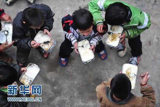 注意!农村义务教育学生餐补提高了!湖南再获19310万元补助!