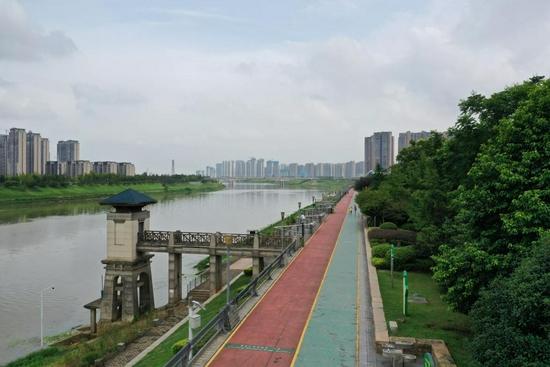 浏阳河边健身步道