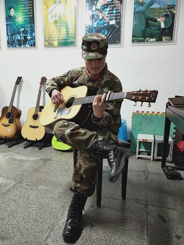 黄旭斌在部队的业余生活