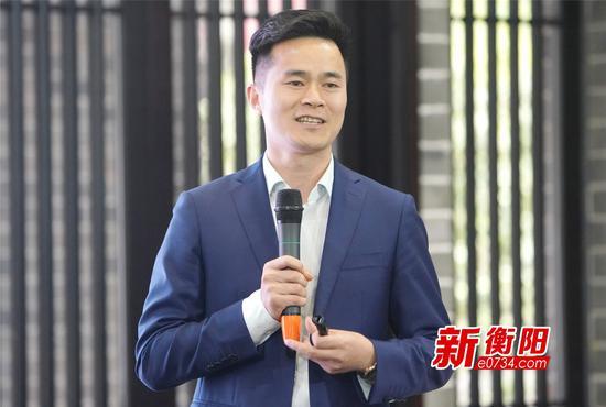 ▲励弘集团启航学校董事长陈亮伟