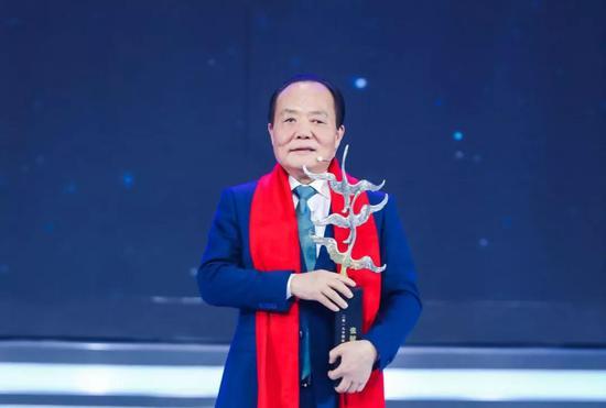 振石控股集团董事局主席、中国巨石总裁张毓强。