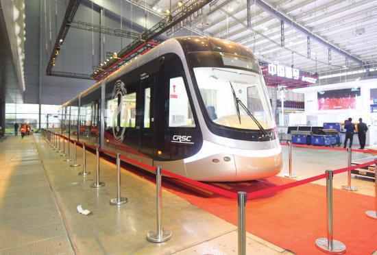 中国通号展示的低地板有轨电车。