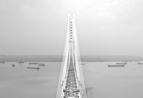 9月19日,航拍浩吉铁路洞庭湖特大桥。图/记者杨旭