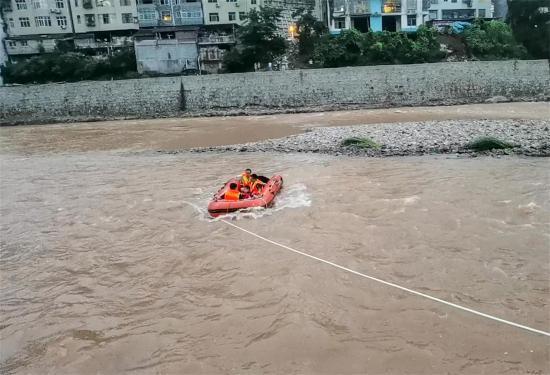 岳阳启动环湖县市区防汛三级应急响应;全省 26 座水库超汛限