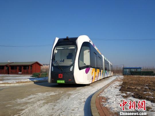 20日,由中车株洲所研制的智轨电车开始在哈尔滨接受严寒测试。 中车株洲所供图
