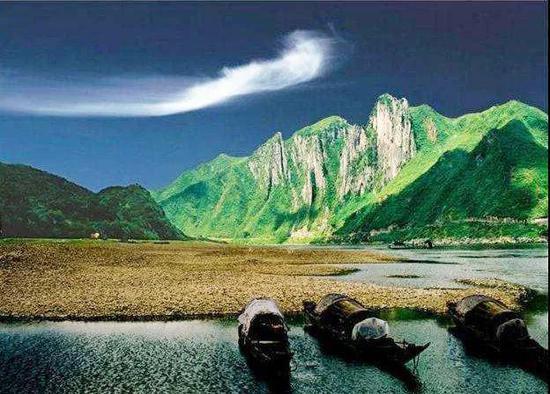 ▲ 湘西泸溪的五指峰,曾出现在金庸的武侠作品中